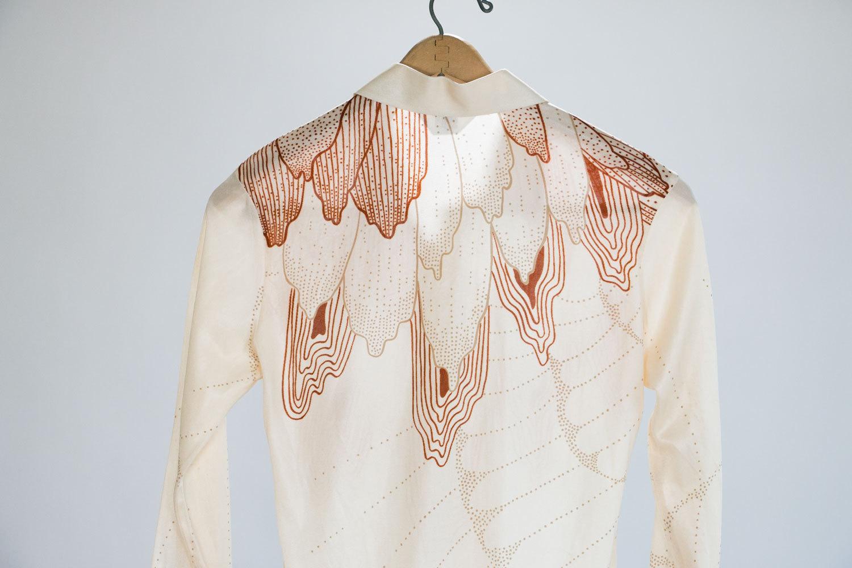 Eccentric Vintage Polyester Button Down Shirt // Men's Medium // Gripper Thin by Moss //  Asian Modern Print // Rare 1970's // Hipster