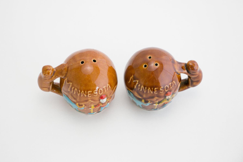 Vintage 1950's Paul Bunyan Minnesota Salt & Pepper Shakers //  Beaver, Squirrel Handles //  Retro //  Hipster // Ecclectic // Folk Americana
