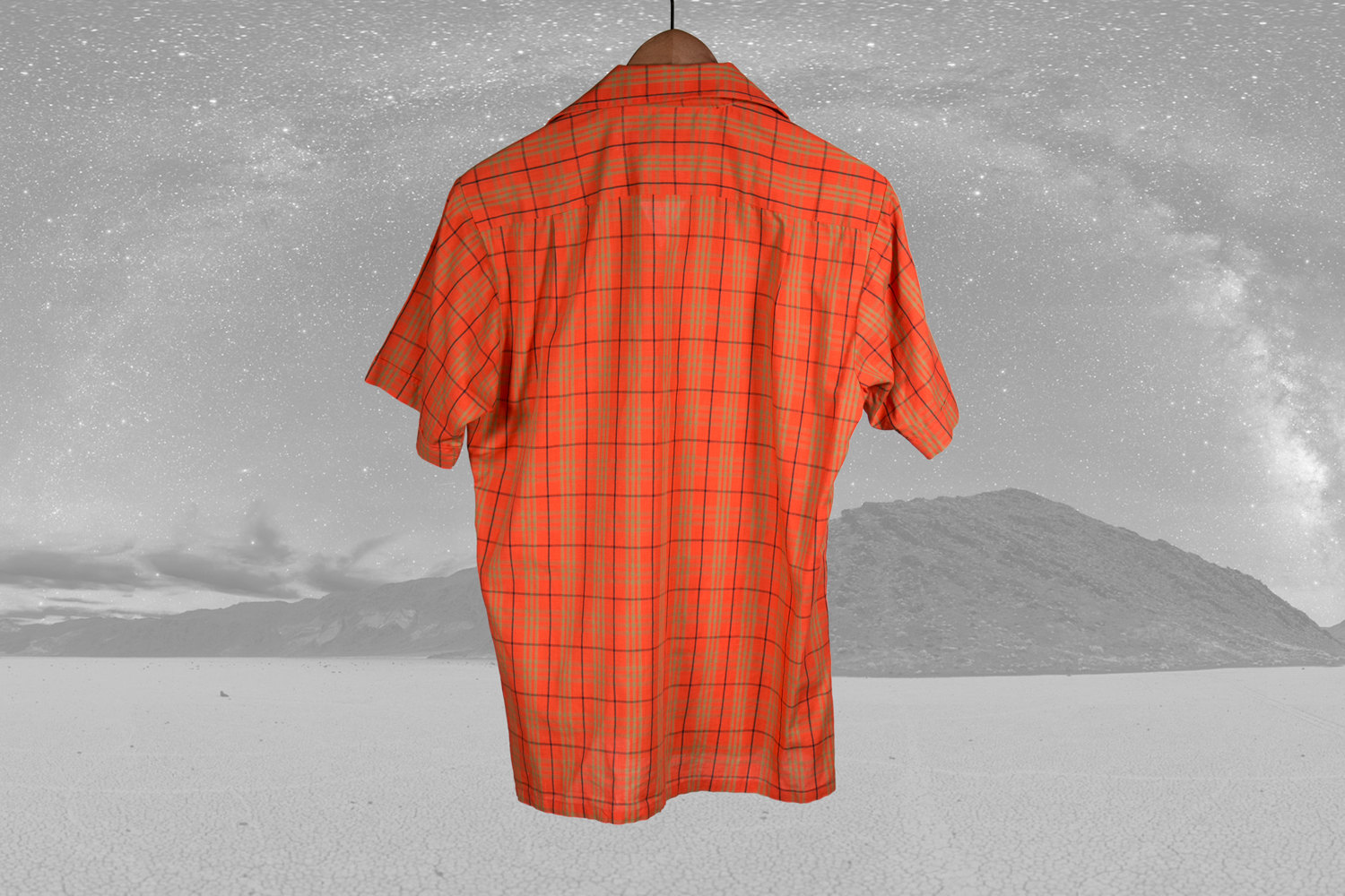 Vintage 1960's Red and Gold Checkered Short Sleeve Shirt by Topps in Size Men's Small - Great Lines and Collar - Retro, Indie, Hipster