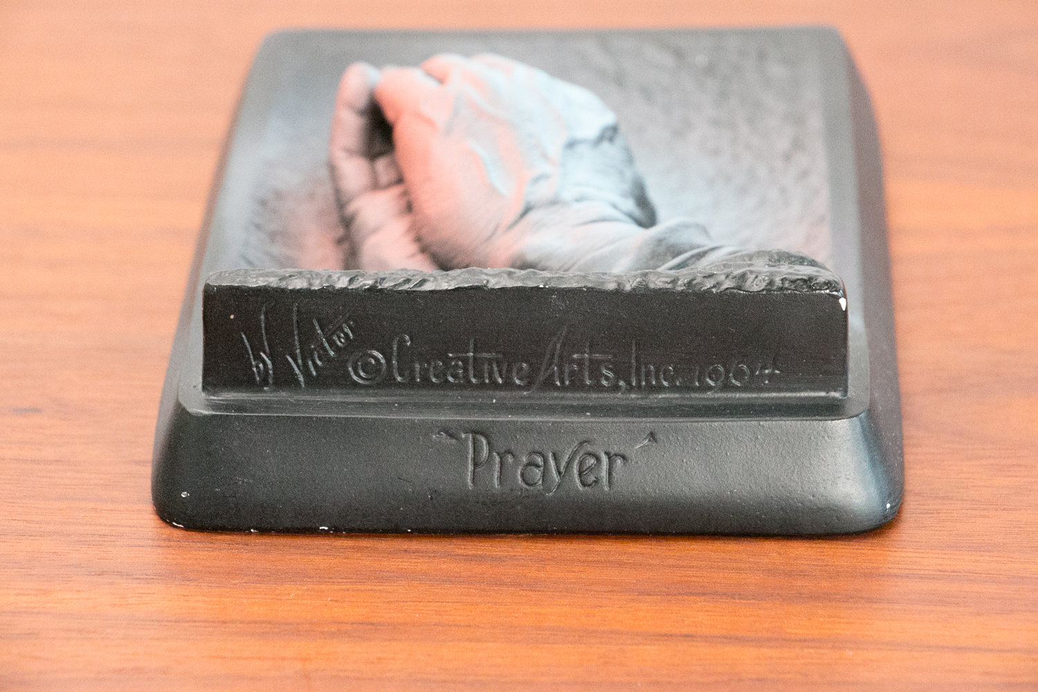"Vintage Hanging Prayer Hands Sculpture / Plaque - by Victor - 1964, Creative Arts Inc - Turquoise, Pink/Salmon, & Black - 6"" Height - Kitsch"