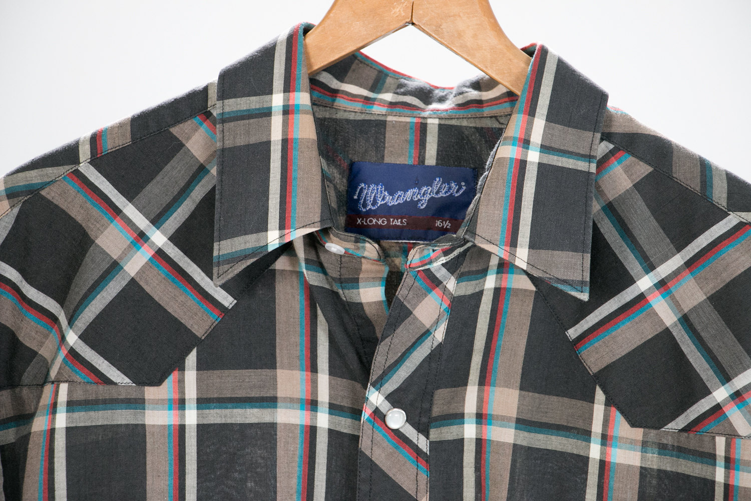 """Vintage 1970's Short Sleeve Wrangler X-Long Tails Plaid Country Shirt 16.5"""", Pearl Snap Buttons - Classic Country Western, Retro, Hipster"""