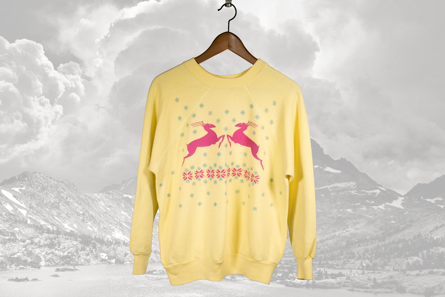 Vintage Flying Deer & Snowflakes Sweater circa 1980's - Winter / Christmas / Holiday - Great Colors!  Women's M-L