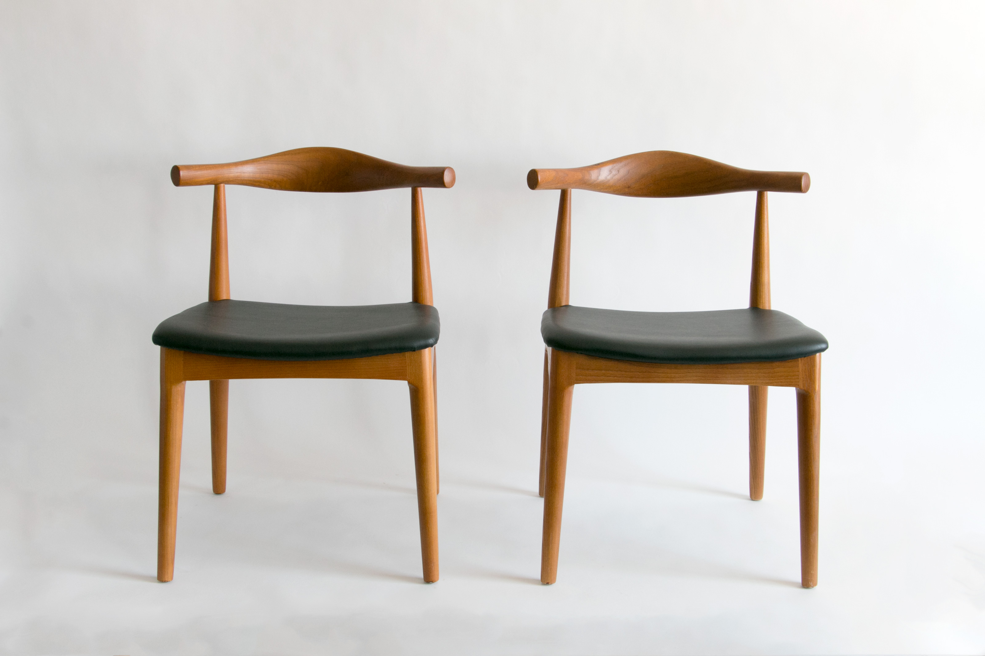 modern chair. Mid Century Modern Chair Set With Black (faux) Leather Upholstery \u2013 Snacks