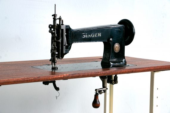 Singer 114w103 Cornely Chainstitch Sewing Machine