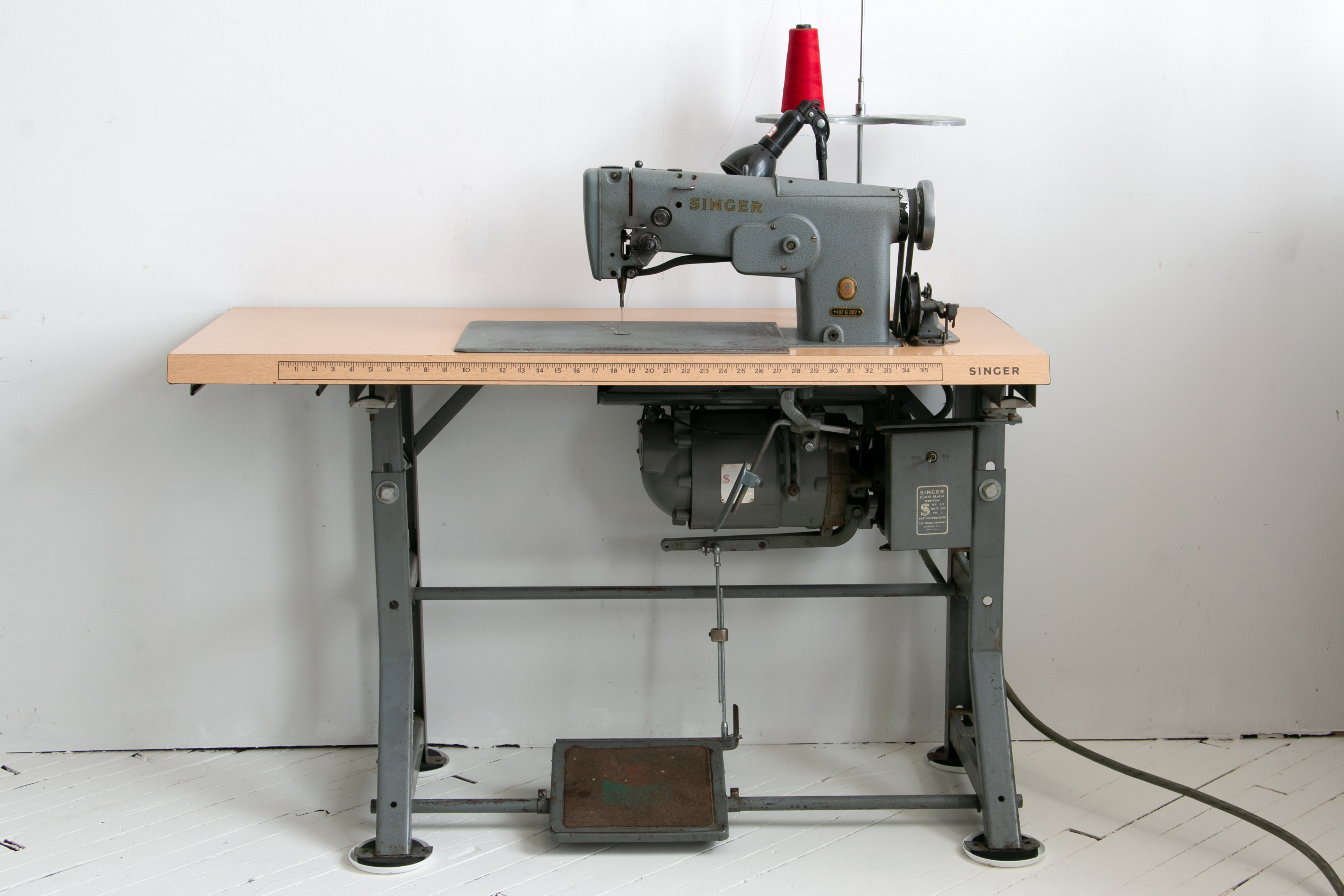 Singer Irish Embroidery Machine 107g302 107w102