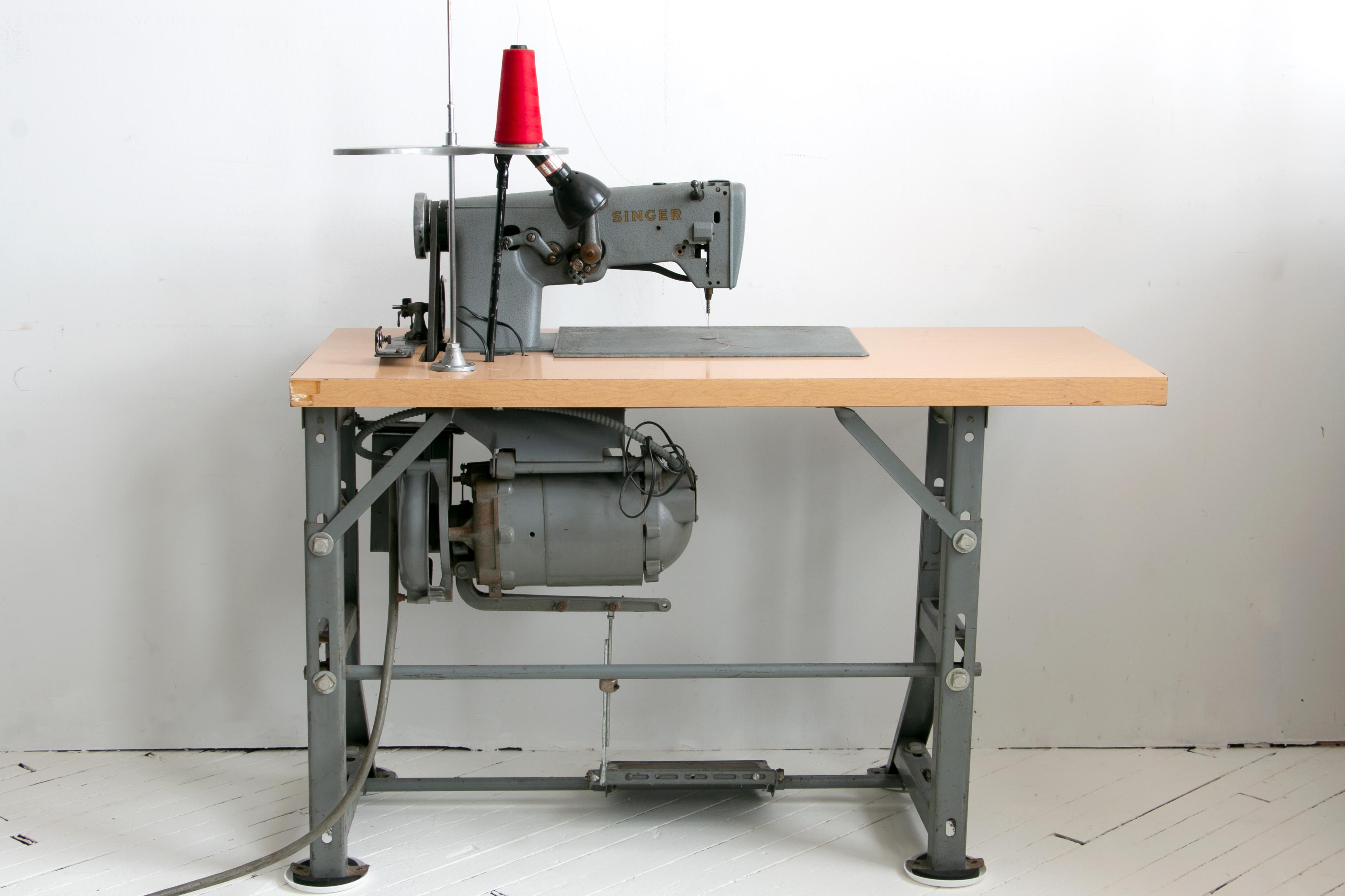 Singer Irish Embroidery Machine 107g302 107w102