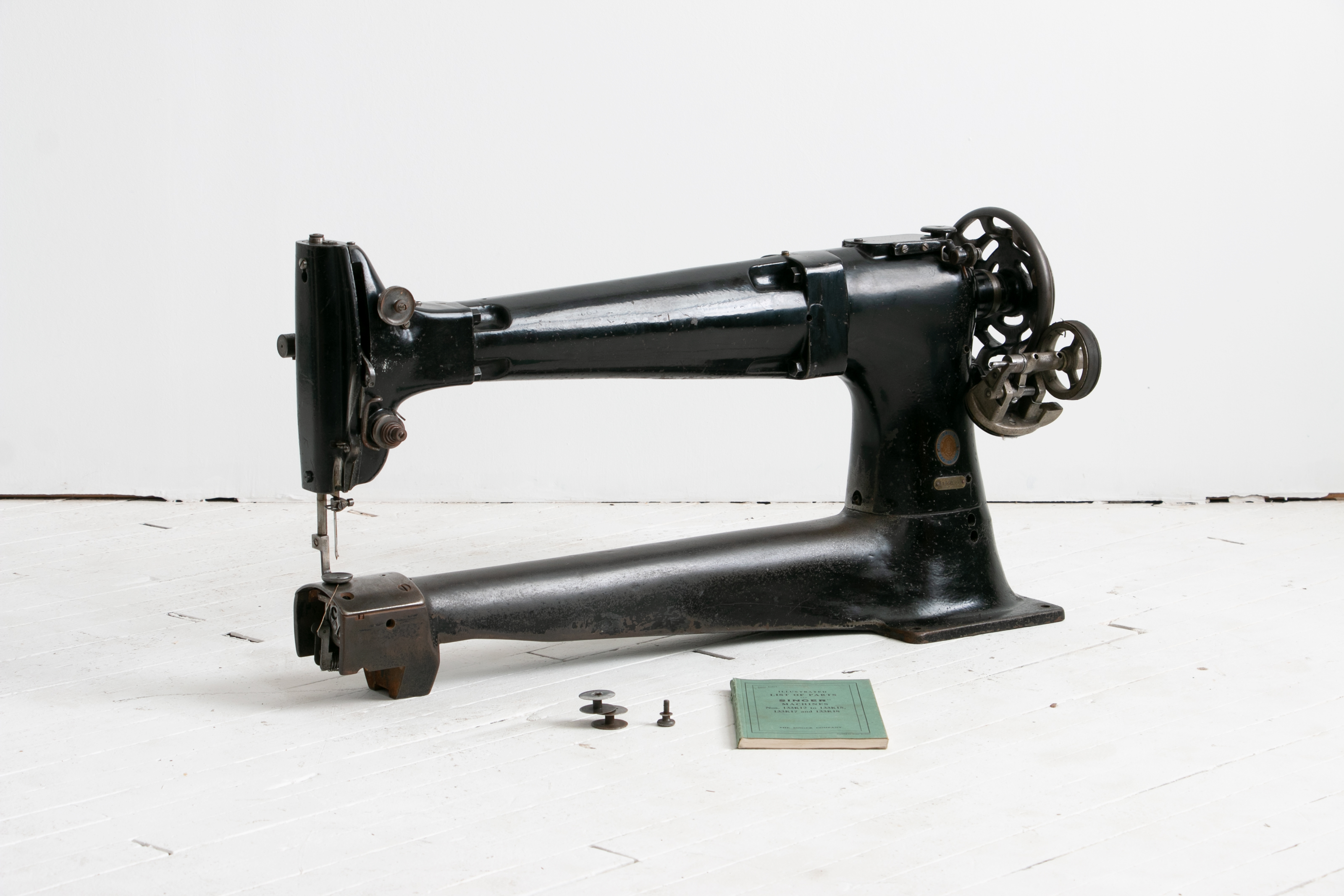 Singer 133k15 Long Arm Cylinder Bed Industrial Sewing Machine